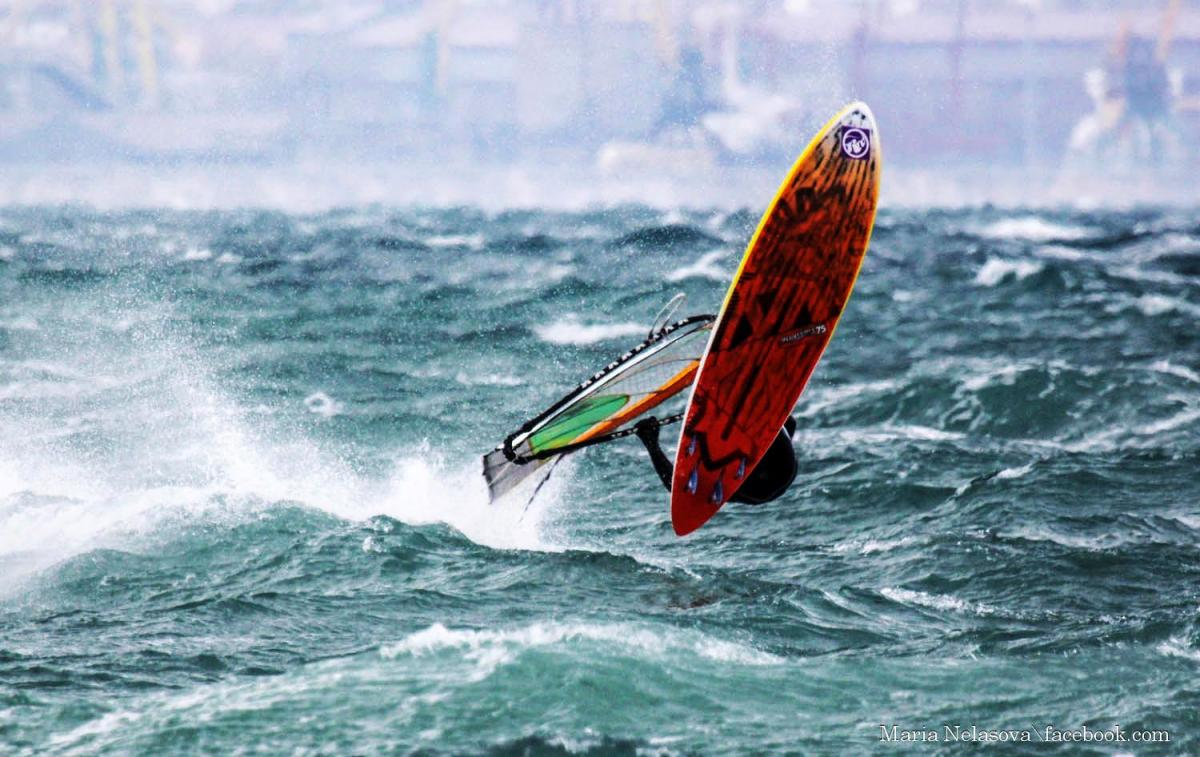 На черном море Happy Monday:)) Sail Izzy 3.3 Water 11c Air +5c