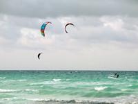 Куба 2012, Cayo Coco. Монреальские хлопцы ловят ветер.